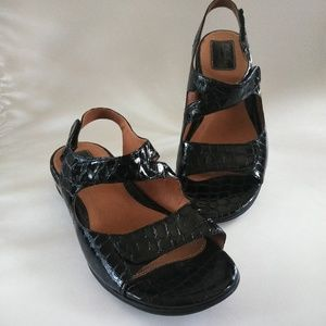 Clarks Artisan Brown 10XW Leather Sandals